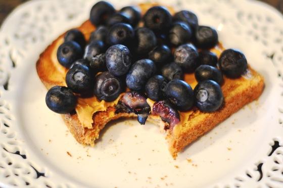 blueberry pb toast