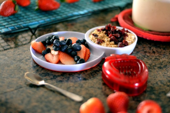 Children Breakfast Idea - berries & oatmeal with brown sugar and cranberries... Are you eating breakfast?  Find out why this meal is definitely not the one to skip! hhmomma.com