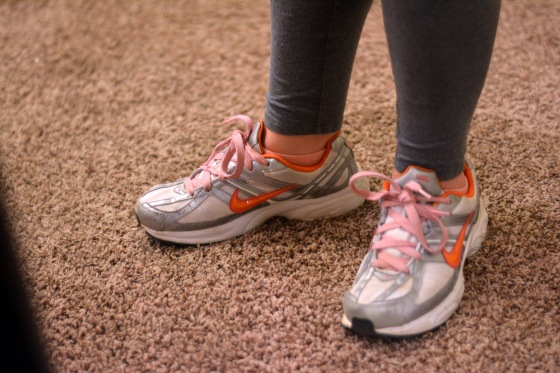 Find comfortable shoes to workout in. Trust me, it's more important to be comfy than stylin' ~ www.hhmomma.com